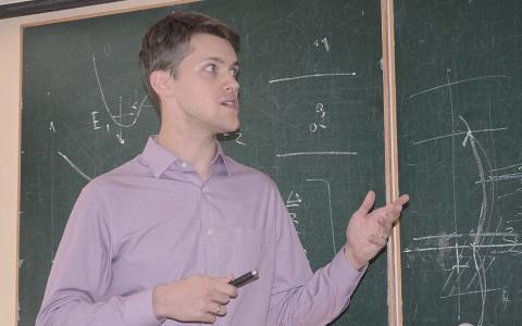 Візит випускника кафедри оптики з США
