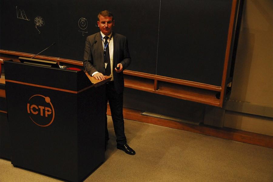 Випускник кафедри оптики – співдиректор зимового коледжу з оптики в Італії